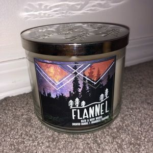 Bath & Body Works Flannel Candle